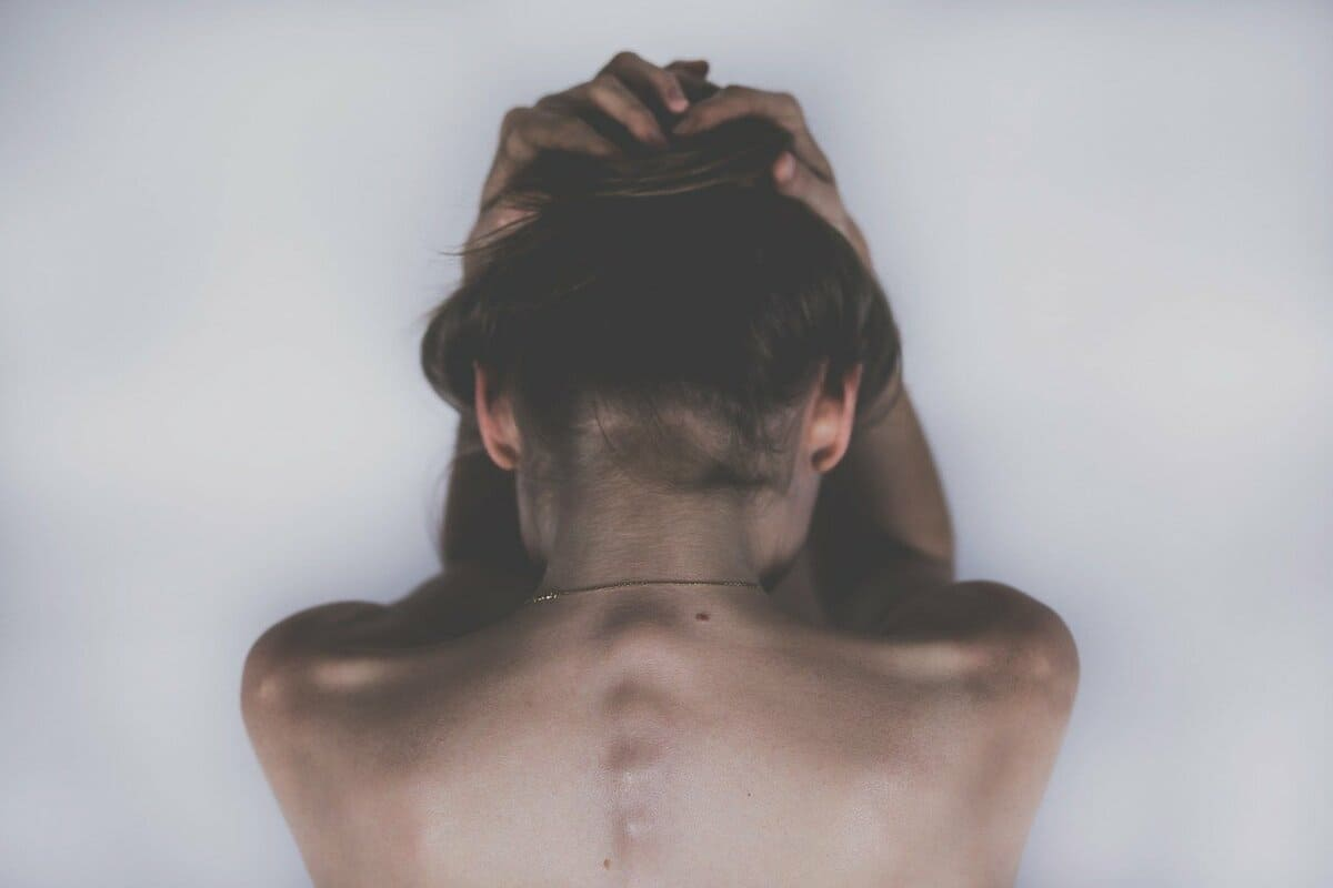 看護師の頭痛の原因