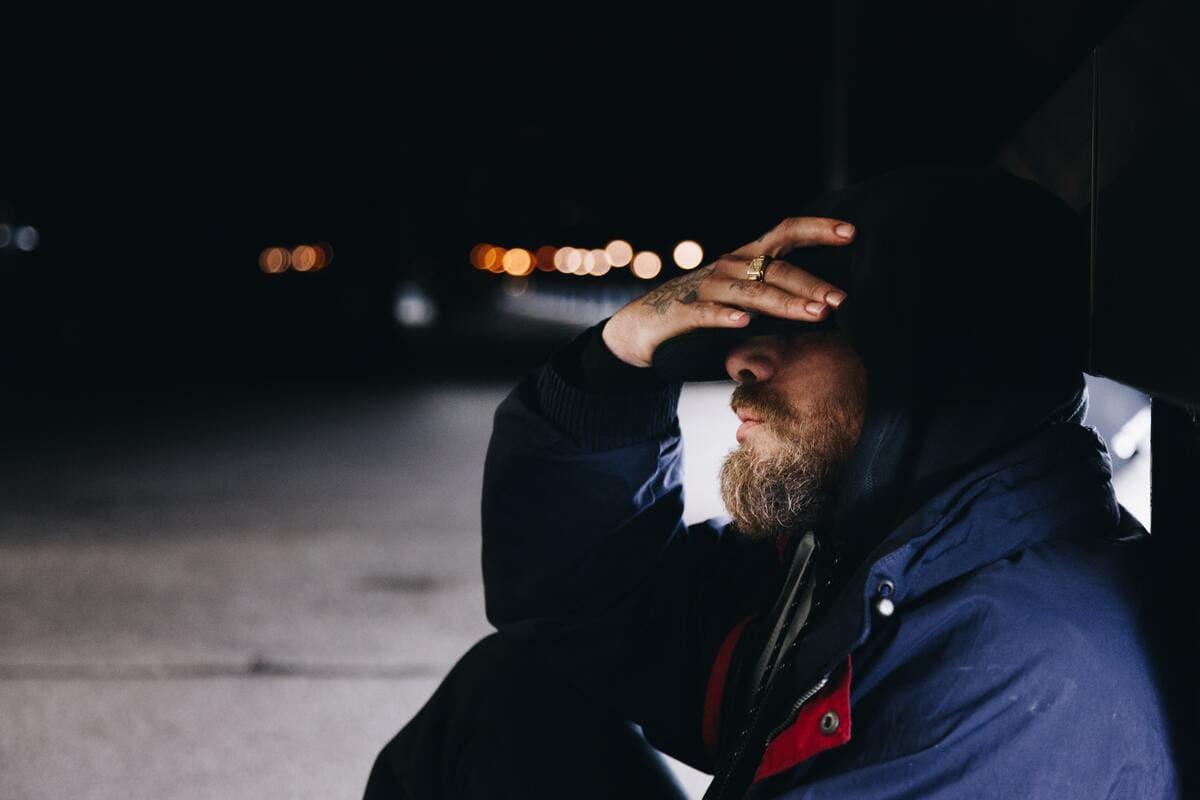 睡眠薬はアルコールと併用すると、不安や焦燥感が増すといった症状が出現します